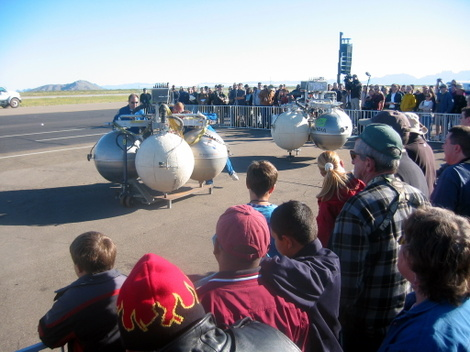 Armadillo Aerospace preps Pixel for the Lunar Lander Challenge at the 2006 X Prize Cup
