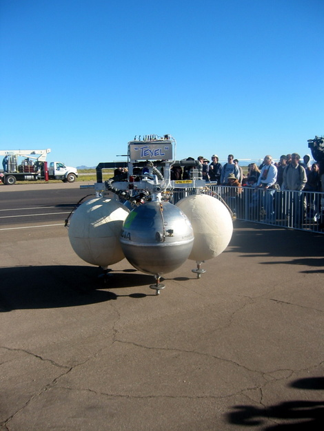 Armadillo Aerospace's Texel vehicle competing for the Lunar Lander Challenge at the 2006 X Prize Cup